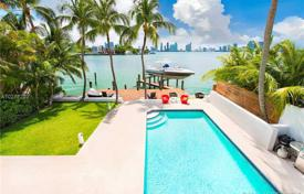 3 bedroom houses for sale in North America. Townhome – Miami Beach, Florida, USA