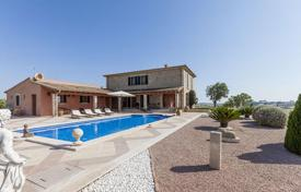 Houses with pools for sale in Majorca (Mallorca). Comfortable villa in Maria de la Salud, Mallorca, Spain. Terrace with a swimming pool, large garden, sauna, two garages