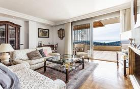 Residential for sale in Majorca (Mallorca). Apartment with pool and terrace overlooking the sea and the city of Genova, Palma, Mallorca