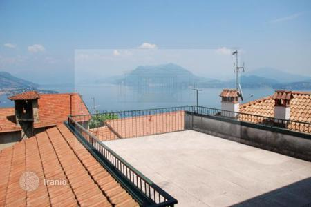 2 bedroom houses for sale in Stresa. Detached house - Stresa, Piedmont, Italy