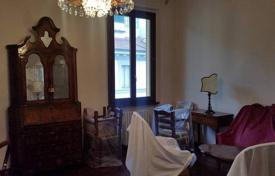 3 bedroom apartments for sale in Florence. Spacious renovated apartment in Florence, Tuscany, Italy