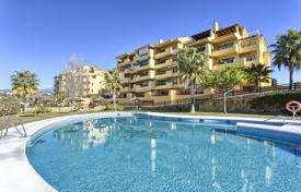 Apartments for sale in Estepona. Attractive Apartment in Loma Real, New Golden Mile, Estepona