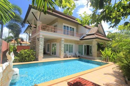 1 bedroom houses for sale overseas. The project is located in Chalong, near the most famous Buddhist temple in Phuket Wat Chalong (Wat Chalong)