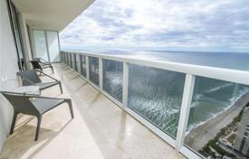 Stylish three-bedroom apartment by the ocean in Hallandale Beach, Florida, USA for $990,000