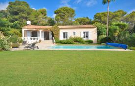 Property for sale in Vallauris. Villa – Vallauris, Côte d'Azur (French Riviera), France