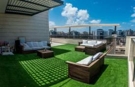 Penthouses for sale in Netanya. Comfortable penthouse with a large terrace and views of the city in Netanya