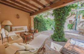 5 bedroom villas and houses to rent in Majorca (Mallorca). Detached house – Soller, Balearic Islands, Spain