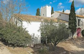 Property for sale in Languedoc - Roussillon. Close to Arles — Agricultural property