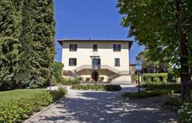 Luxury houses with pools for sale in Tuscany. Villa – Arezzo, Tuscany, Italy