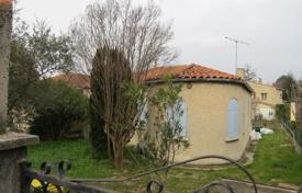 Cheap 2 bedroom houses for sale in France. Charming House needs to be renovated