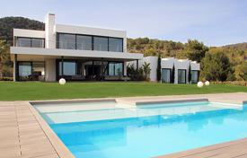 Residential to rent in Es Cubells. Comfortable furnished villa with a pool, a garden, a parking, a seating area and breathtaking sea views, Es Cubells, Spain
