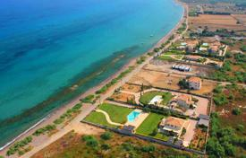 Three-storey villa directly on the beach in Ermioni, Peloponnese, Greece for 2,500,000 €