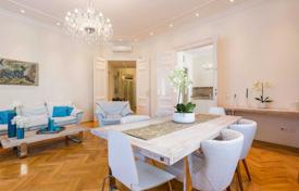 Corner renovated apartment, in the V district of Budapest, Hungary for 859,000 $