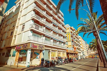 1 bedroom apartments by the sea for sale in Costa Brava. Apartment – Lloret de Mar, Catalonia, Spain