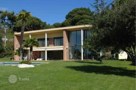 Luxury 5 bedroom houses for sale in Costa del Maresme. Townhome - Sant Andreu de Llavaneres, Catalonia, Spain