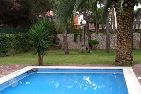 Property for sale in Castelldefels. House Costa Barcelona