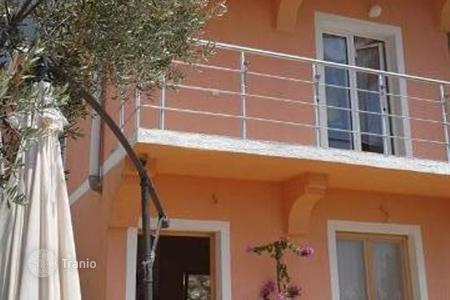 Houses for sale in Sutomore. New house with two apartments in Sutomore