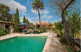 Renovated villa with a private garden, a pool and a parking, Manacor, Spain for 1,600,000 €
