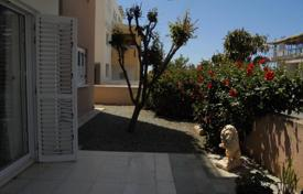 Coastal apartments for sale in Yeroskipou. Spacious Two Bedroom Ground Floor Apartment/Garden REDUCED