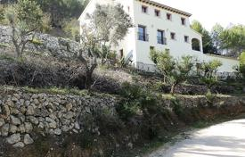 4 bedroom houses for sale in Jalón. 4 bedroom refurbished villa with large pool overlooking the valley in Jalón