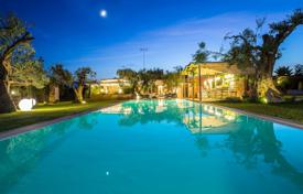 Apartments for sale in Apulia. Villa Masseria, charming, with pool, 2 km from the sea
