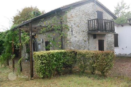 Land for sale in Italy. Cozy farm in Tavazzano