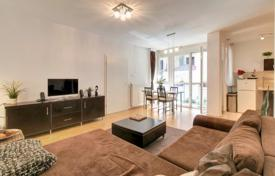1 bedroom apartments for sale in Budapest. Apartment with a balcony, in a residence with an elevator and a garden, in the 6th district of Budapest, Hungary