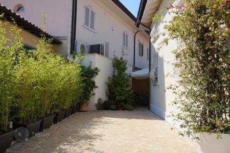 Villas and houses to rent in Tuscany. Villa – Forte dei Marmi, Tuscany, Italy