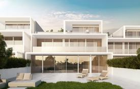 Townhouses for sale in Andalusia. La Finca is a residential complex of 176 luxury homes adjoining La Cañada Golf Club