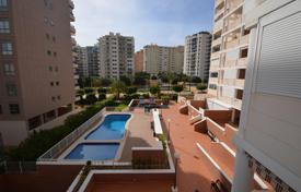 Apartments with pools by the sea for sale in Valencia. Modern apartment with terrace near the sea, Benidorm, Spain