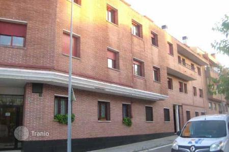 Cheap townhouses for sale in Catalonia. Terraced house – Sant Celoni, Catalonia, Spain