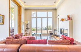 Luxury houses for sale in Barcelona. Historic villa with a private plot, a swimming pool, a garden, a spa, a gym, terraces and views of the sea and the city, Barcelona, Spain
