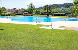 Apartments with pools for sale in Costa Brava. Apartment – Castell Platja d'Aro, Catalonia, Spain