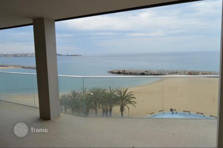 4 bedroom apartments by the sea for sale in Catalonia. Apartment – Kalonji, Catalonia, Spain