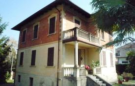 4 bedroom houses by the sea for sale in Italy. Villa – Piedmont, Italy