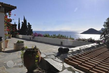 Coastal residential for sale in Porto Rafti. Renovated villa with fireplaces, a private access to the beach and a parking, at 50 meters from the sea, Porto Rafti, Greece