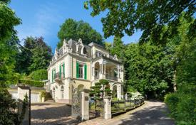 Exclusive historic villa with a garden, a garage and an elevator in a luxury area, in the center of Baden-Baden, Germany for 5,500,000 €