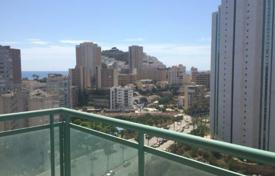 Cheap 3 bedroom apartments for sale in Benidorm. 3 bedroom apartment with communal pool and terrace with sea views in Benidorm