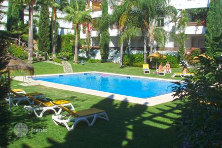 Cheap 3 bedroom apartments for sale in Costa del Sol. Ground Floor Apartment for sale in Selwo Hills, Estepona