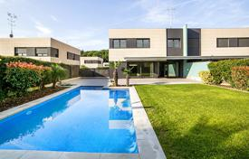 5 bedroom houses for sale in Costa del Maresme. Villa – Sant Andreu de Llavaneres, Catalonia, Spain