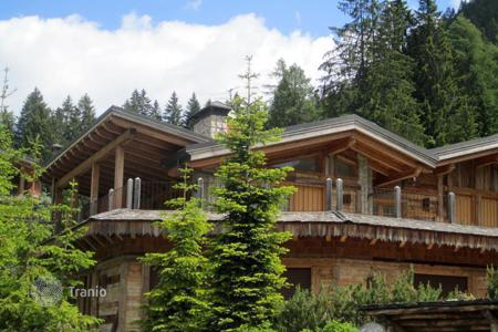 Luxury houses for sale in Italian Alps. Chalet – Campo Carlo Magno, Trentino - Alto Adige, Italy
