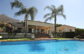4 bedroom houses for sale in Malaga. Spacious villa with sea view, Sierra Blanca, Spain