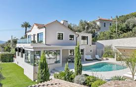 5 bedroom villas and houses to rent in Cannes. Stylish 5 Bedroom Holiday Villa Sleeping 10 People in Cannes