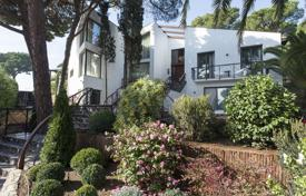 6 bedroom houses by the sea for sale in Catalonia. Modern three-storey villa with a pool, a landscaped garden and a sea view, 600 meters from the beach, Calonge, Spain