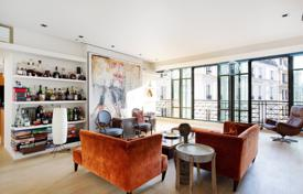 Luxury 4 bedroom apartments for sale in Paris. Paris 6th District — Rue Dauphine
