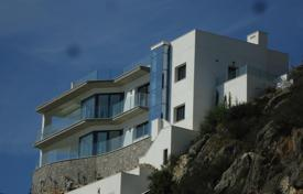 Luxury 3 bedroom houses for sale in Calvia. Modern villa in Santa Ponsa, seaviews