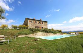 Luxury 2 bedroom houses for sale in Italy. Luxury farmhouse for sale in Val d'Orcia, Tuscany