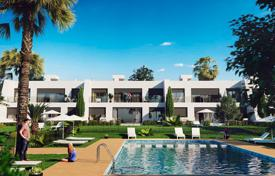 Residential for sale in Los Alcazares. Frontline golf apartments in Mar Menor Golf Resort