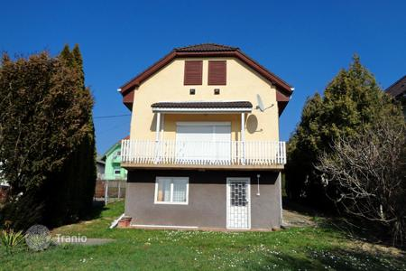 Houses for sale in Zala. house near Hévíz, overlooking the city