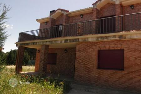 Cheap residential for sale in Valladolid. Apartment – Valladolid, Castille and Leon, Spain